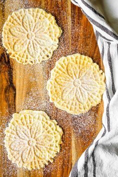 Classic Pizzelle Recipe For Italian Waffle Cookies -- These light and crispy vanilla pizzelle cookies are a Christmas Eve tradition! Includes tips for how to make pizzelles + variations for making chocolate, almond, lemon, and traditional anise pizzelles. Italian Cookie Recipes, Italian Cookies, Italian Desserts, Easy Cookie Recipes, Dessert Recipes, Sweet Recipes, Easy Recipes, Italian Pastries, Italian Foods