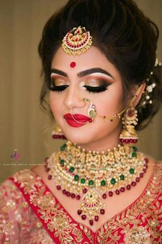 Makeup Photography Beauty Eyebrows 69 Ideas is part of eye-makeup - eye-makeup Bridal Hairstyle Indian Wedding, Bengali Bridal Makeup, Indian Wedding Makeup, Bridal Hair Buns, Indian Wedding Hairstyles, Hair Wedding, Indian Bride Hair, Bridal Hairdo, Bridal Photoshoot