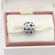 Pandora White Color Flowers Charm Beads #pandora #pandorabeads #pandoraflowercharms