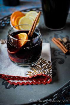 さむ~い冬にピッタリ!スパイスが効いてるホットワインはいかがですか? 安いワインでも、ちょっと手を加えるだけで絶品ホットワインに★ 美味しいアレンジレシピをまとめました^^