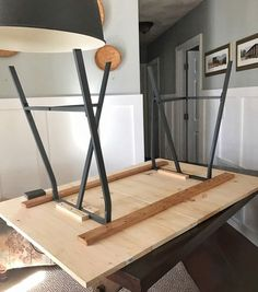 Easy DIY Trestle Dining Table with horizontal pinewood boards and Ikea Lerberg Trestle Legs. Easy DIY Trestle Dining Table with horizontal pinewood boards and Ikea Lerberg Trestle Legs Diy Dining Room Table, Trestle Dining Tables, Dining Table Legs, Wood Tables, Patio Table, Diy Esstisch, Diy Kitchen, Kitchen Ideas, Kitchen Retro