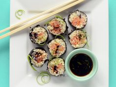 Paleo Sushi Salmon Roll with Cauliflower Rice | You can't go wrong with flavor combos in these Paleo sushi rolls.