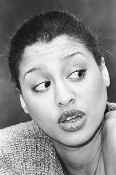 "Phyllis Hyman's big eyes/ lips and deep voice, made her crowned: ""The Most Beautiful Queen of Ballads"". Beautiful Black Women, Most Beautiful, Phyllis Hyman, Luther Vandross, Gone Girl, Black Celebrities, Smooth Jazz, Girls Rules, Music Icon"