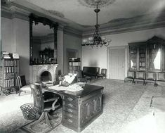 Lincoln bedroom White House 1889 may he rest in Abraham Lincoln Family, Mary Todd Lincoln, History Photos, Us History, American History, Presidential History, Mystery Of History, American Presidents, Interesting History