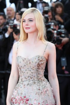 Ellie Fanning, Dakota And Elle Fanning, Fanning Sisters, Celebrity Wedding Dresses, Celebrity Weddings, Elle Fanning Maleficent, Sexy Outfits, Fashion Outfits, Victoria Justice