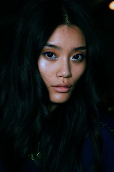 Ming Xi @ Just Cavalli Spring 2013 highlight, dark blue liner, white lashline. x-dallas