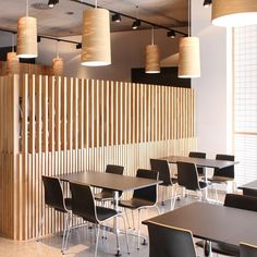 Restaurant in Bilbao by Pauzarq. slatted wooden screens separate the three staggered tiers of this restaurant that Spanish architects Pauzarq have completed in Bilbao. Wood Cafe, Wood Slat Wall, Wood Slats, Cafe Interior, Interior Design, Wood Partition, Timber Screens, Wooden Screen, Cafe Bar