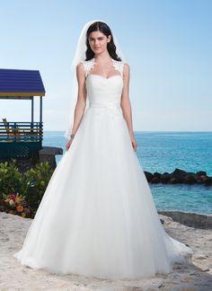 3773 (Vestido de Noiva). Estilista: Sincerity Bridal. ...
