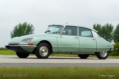 Citroen DS 21 Pallas, year Chassis number Colour 'Vert Argente' (light green metallic) with a black leather interior and grey carpet. This fabulous Citroen DS … Citroen Ds, Collector Cars For Sale, S Car, Cars Motorcycles, Vintage Cars, Classic Cars, 21st, Vehicles, Buses