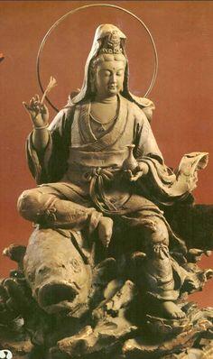 Những bức hình đẹp nhất về Phật Quan Âm Bồ Tát phần 7 Japanese Buddhism, Buddha Sculpture, Tibetan Art, Buddha Art, Ancient Mysteries, Guanyin, Horror Art, Photo Art, Religion