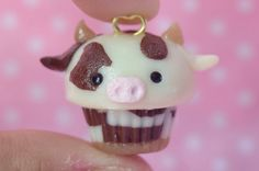 Polymer Clay Cupcake, Polymer Clay Kawaii, Fimo Clay, Polymer Clay Projects, Polymer Clay Charms, Clay Crafts, Polymer Clay Miniatures, Polymer Clay Creations, Tarjetas Diy
