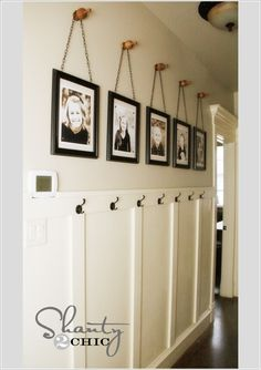 10 Chic Ways to Decorate Your Entryway Wall 10