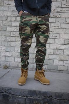 camo pants joggers menswear mens pants is part of Mens pants fashion - Camo Pants Outfit, Joggers Outfit, Camo Clothes, Mens Jogger Pants, Camo Joggers Mens, Cargo Pants Men, Men's Pants, Stylish Men, Men Casual