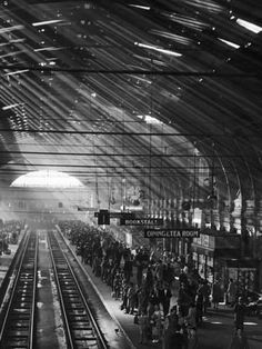 Photographic Print: Interior of a London Railroad Station : 24x18in