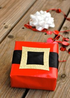 Share This On Whatswhat S Your Idea Of A Perfect Christmas Decoration Do They Have To Diy Wring Papergift