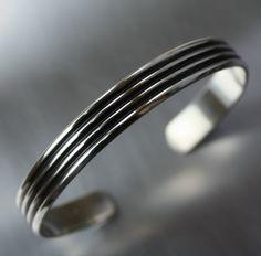 Mens-Armband Breite Manschette Silber von JenniferWoodJewelry