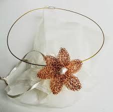 collar tejido con hilo de cobre - Buscar con Google