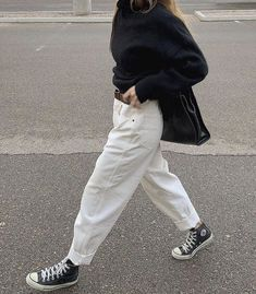 Top 10 Teenage Girl Fashion 2020 Trends: Practical Teen Fashion 2020 Photos+Videos) outfits style summer teenage frauen sommer for teens outfits Indie Outfits, Teen Fashion Outfits, Teenage Outfits, Cute Outfits, Casual Grunge Outfits, Preteen Fashion, Fashion Clothes, Girl Outfits, Fashion 2020