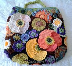 Ravelry: Tottiehoekom's Freeforform crochet poppy bag front and back