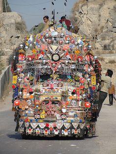 pakistanpassion: Humsa ho samney sim ....  (Por Emran Ashraf) arte do caminhão do Paquistão