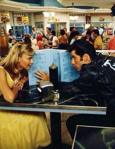 A film still of Olivia Newton-John and John Travolta in 'Grease', Iconic Movies, Old Movies, Indie Movies, Movies Showing, Movies And Tv Shows, Grease John Travolta, Jon Travolta, Grease 1978, Mode Poster