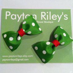 Holiday hair bow set by PaytonRileys on Etsy, $4.00