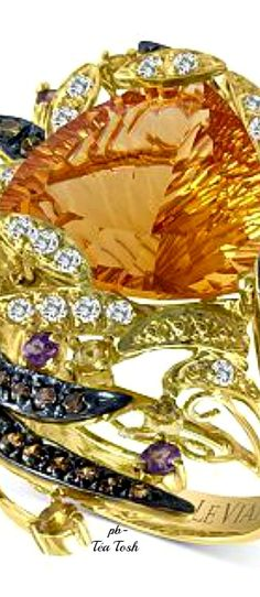 ❇Téa Tosh❇Le Vian Statement Ring Trillion Cut Cinnamon Citrine(9 ct.) White & Chocolate Diamonds. Garnets & Citrine Accents set in Honey Gold.
