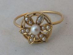 Fine Victorian Art Nouveau seed Pearl 15ct gold cluster ring