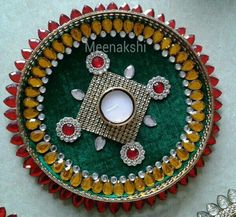 Posts about Kundan decoration written by allhomecrafts Cd Crafts, Diy Home Crafts, Hobbies And Crafts, Arts And Crafts, Diwali Gift Box, Diwali Craft, Diwali Diya, Arti Thali Decoration, Thali Decoration Ideas