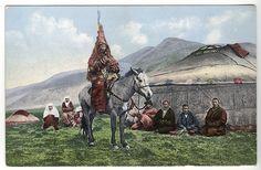 Kazakh-bride-on-horseback,-in-Kazakh-wedding-dress.jpg (640×419)