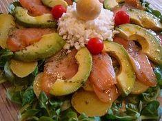 Ensalada de patata salmón y aguacate Healthy Cooking, Healthy Life, Cooking Recipes, Healthy Recipes, Salmon Y Aguacate, Recipe For 4, Light Recipes, Food Hacks, I Foods