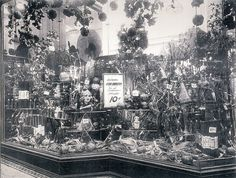 Woolworth Halloween display window, Baltimore 1925