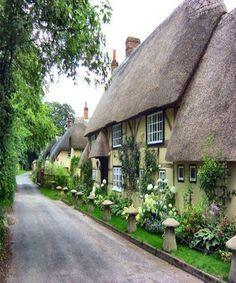 English Village Cottage in Hampshire/darling English Villages, English Country Cottages, English Country Decor, English Countryside, Modern Country, Country Style, English Cottage Exterior, Fairytale Cottage, Storybook Cottage