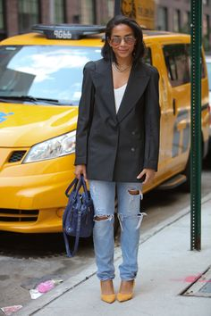 Your glimpse at all the best-dressed folks attending runway shows, after parties and everything in between at New York Fashion Week Spring I Love Fashion, Passion For Fashion, New York Fashion Week 2018, Black Girls Rock, Blazer Dress, Street Style Looks, Types Of Fashion Styles, Work Wear, Nice Dresses