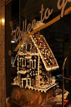 Lebkuchenhaus - Display at a Bakery