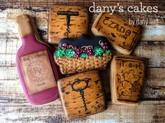 Wine Cookies, Mother's Day Cookies, No Bake Cookies, Fancy Cupcakes, Wine And Cheese Party, Party Sweets, Wine Parties, Royal Icing Cookies, Cookie Designs