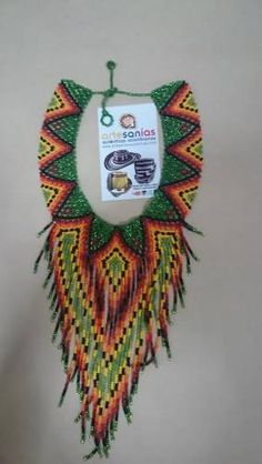 Artesanías Auténticas Colombianas Beadwork, Beading, Bead Weaving, Christmas Ornaments, American, Holiday Decor, Pearls, Slip On, Activities