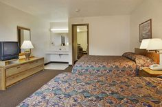 Guest room at the Super 8 Iron Mountain in Iron Mountain, Michigan