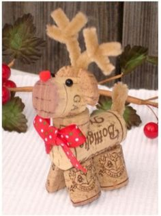 Best 15 Wine Cork Ideas For Home Decorations Ideas : Best Wine Cork Ideas For Home Decorations 23023 Christmas Wine, Diy Christmas Ornaments, Homemade Christmas, Christmas Presents, Reindeer Christmas, Kids Christmas, Christmas Cookies, Wine Cork Ornaments, Wine Cork Crafts