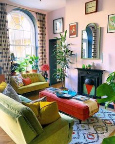 Living Room Decor, Living Spaces, Eclectic Living Room, Eclectic Decor, Living Rooms, Maximalist Interior, Colourful Living Room, Colourful Home, Colourful Bedroom