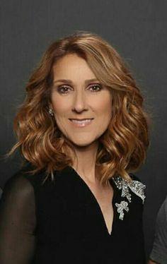 Août 2016 ..QUÉBEC Celine Dion, Beautiful Voice, Beautiful Person, Pop Singers, Female Singers, My Doppelganger, Celebs, Female Celebrities, Belle Photo