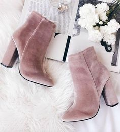 Casual Fall Shoes – Must Have Footwear Collection. 52 Flawless Shoes Fashion Trends To Rock Your Summer Style – Casual Fall Shoes – Must Have Footwear Collection. Sock Shoes, Cute Shoes, Me Too Shoes, Shoe Boots, Shoes Heels, Pink Heels, Pink Suede Shoes, Trendy Shoes, Dream Shoes