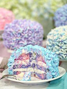 Hydrangea Cakes - gorgeous mini cakes that look like hydrangeas! Perfect for spring parties or showers : SugarHero Pretty Cakes, Beautiful Cakes, Amazing Cakes, Cupcakes, Cupcake Cakes, Shoe Cakes, Deco Cupcake, Hydrangea Cakes, Köstliche Desserts