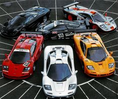 The mclaren was launched in 1992 and revolutionized the supercar industry more than any other vehicle since the automobile was invented. Jaguar Xj220, Carros Mclaren, Carros Bmw, Bmw M1, Porsche, Bugatti Veyron, Audi Quattro, Supercars, Automobile Magazine