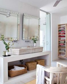 My Little Home provides information about the architecture, interior, exterior, and matters relating to the house. Small Bathroom Mirrors, Vessel Sink Bathroom, Upstairs Bathrooms, Dream Rooms, Beautiful Bathrooms, Bathroom Interior, Decoration, Interior Inspiration, Home Furniture