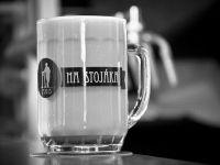 """Pivo jako """"mlíko"""" ve Výčepu na stojáka"""