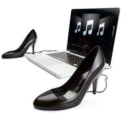 Speakers for stylish women: High Heels | JUMI