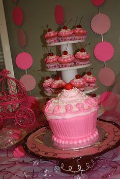 Cupcake cake at a Pinkalicious Party #pinkalicious #partycake