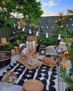 Bohemian Style Garden And Outdoor Living Ideas Broaden the satisfaction in your open air space with an exceptional warmer like this larger than average loungers. This bohemian plan appears as though it Terrazas Chill Out, Balkon Design, Backyard Patio Designs, Patio Ideas, Patio Veranda Ideas, Backyard Landscaping, Garden Ideas, Terrace Ideas, Backyard Pools