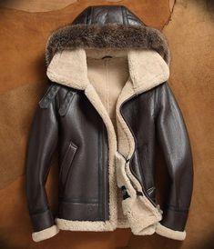 Men s Sheepskin Shearling Jacket Detachable Hooded B3 Flight Jacket Raccoon  Fur Collar Aviator Coat 9d4d5d8ad1bf